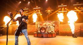 Uproar Tour 2014: Godsmack, Seether, and Skillet at Comerica Theatre