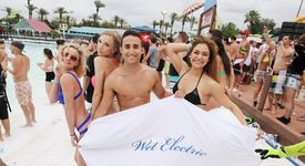 Wet Electric 2015 at Big Surf Waterpark