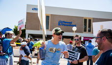 Planned Parenthood Protesters and Supporters Rallied in Phoenix, 8/22/15
