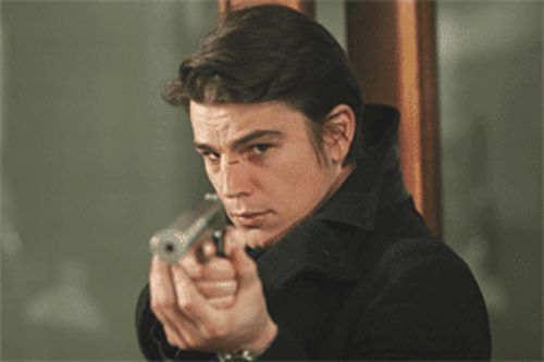 Pulp friction: Josh Hartnett is locked and loaded in Lucky Number Slevin.