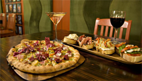 Livin' la vida La Bocca: Mill Avenue's newest eatery offers pizzas and bruschetta in an upscale environment.