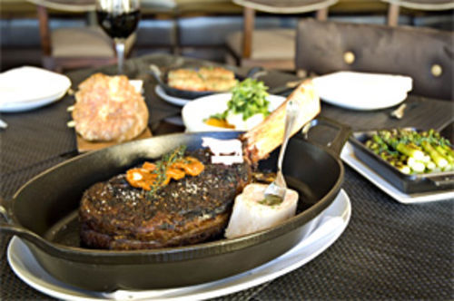 Stick to your rib eye: Trust your carnivorous instincts at Camelback Inn's swanky new BLT Steak.
