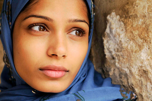 """Radiant Face of Young Palestine"": Freida Pinto takes the lead in Julian Schnabel's Miral."