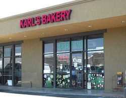 Karl\'s Quality Bakery