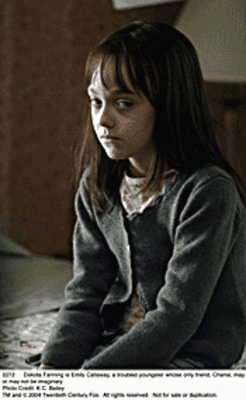 Dakota Fanning in Hide and Seek