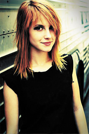 hayley williams hot pictures. Hayley Williams - a bit young,