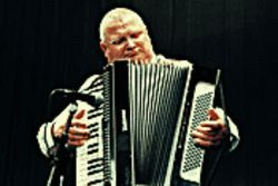 Now that&#039;s punk rock: Horst Krause plays a mean accordion in Schultze Gets the Blues.