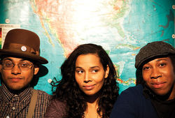 Dom Flemons (left) and Carolina Chocolate Drops