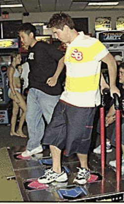 Danny Chung (left) and Jaime Escalante in tournament  mode.