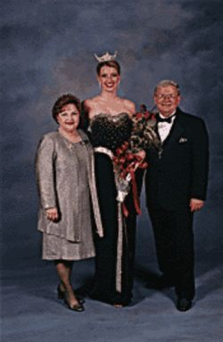 Kapri Rose (center) with Monica and Steve Rich.
