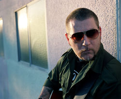 Everlast: He can rap and sing.