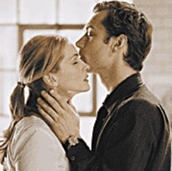 Passion pit: Julia Roberts and Jude Law in Closer.