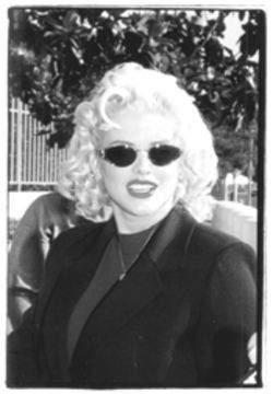 Anna Nicole Smith (above) enters federal court in downtown L.A. for a bankruptcy hearing