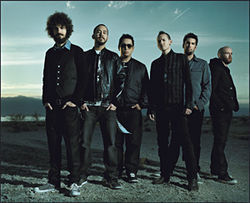 Linkin Park battles bad gas with Projekt Revolution.
