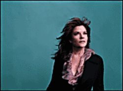 The daughter in black: Rosanne Cash.