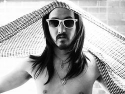 Scottsdale's Pussycat Lounge plays host to DJ Steve Aoki on Thursday.