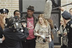 Book &#039;em: Samuel L. Jackson and Julianne Moore are wasted in a dumbed-down version of the novel Freedomland.